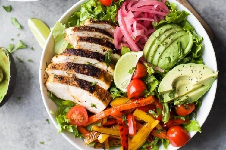 30-Minute Chicken Fajita Salad with Chimichurri Dressing