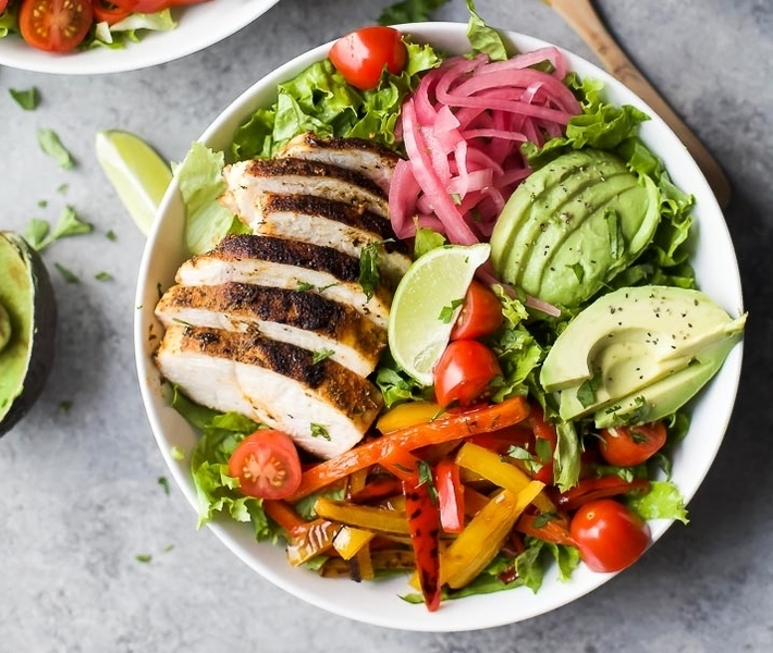 30-Minute Chicken Fajita Salad with Chimichurri Dressing